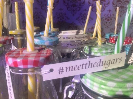 #meetthedugars #drinq #weddingbar #exclusive #masonjars #wedtease #colorful