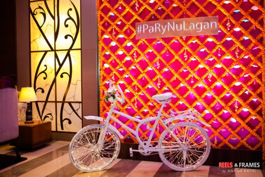#PaRyNuLagan #sangeet #couplegoals #reelsandframes #signage #photoopt #wedtease #weddings